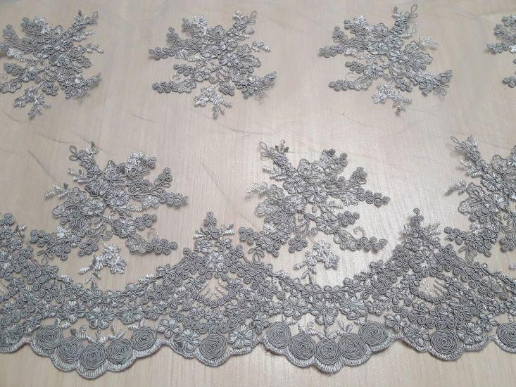 Гипюр сетка с вышивкой кромка фестон цвет светло серый дымка