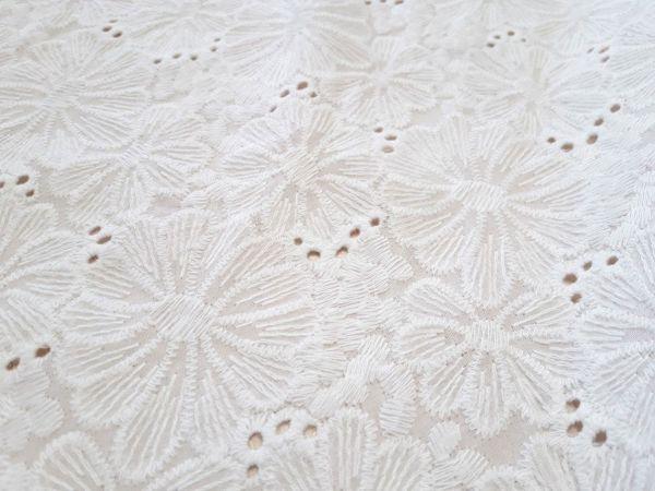 Батист вышитый (прошва) цветы 1-1 цвет белый